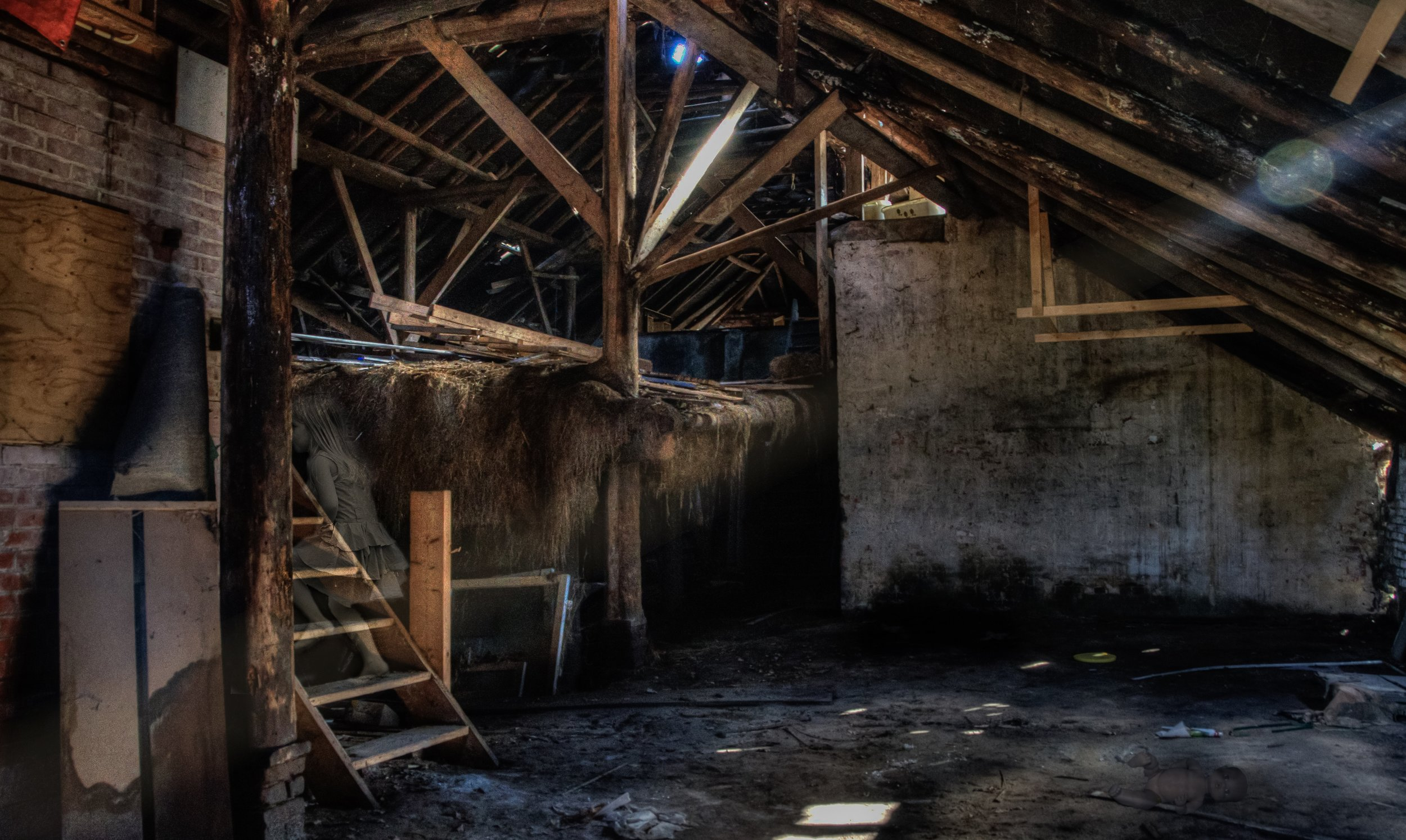 barn-dirty-stairs-55656.jpg