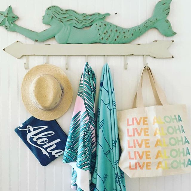 The perfect beach accessory assortment ~ mermaids and all...💙