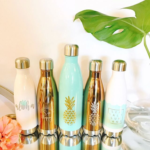 Happiest of hydration (and we think the cutest) in these hot summer months with our Happy Town collection.  #siphappy . . . . #hellohappytown #hellohappy #stainlesssteel #noplasticplease #loveyourworld