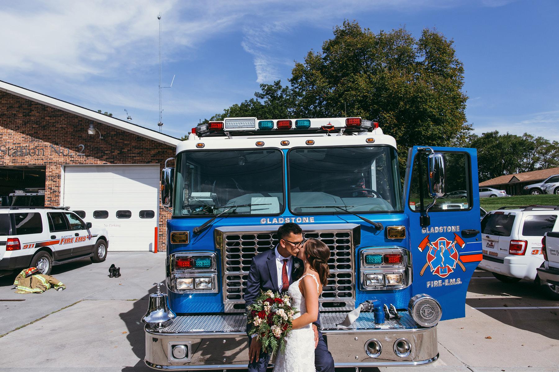 Kansas City Summer Wedding at the Guild_Kindling Wedding Photography Blog40.JPG