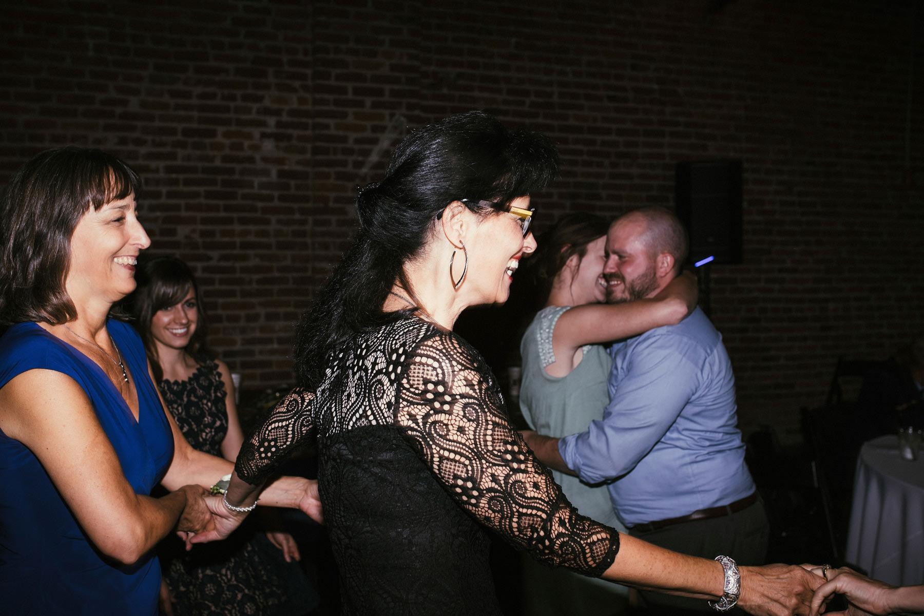 Kansas City Summer Wedding at the Guild_Kindling Wedding Photography Blog79.JPG