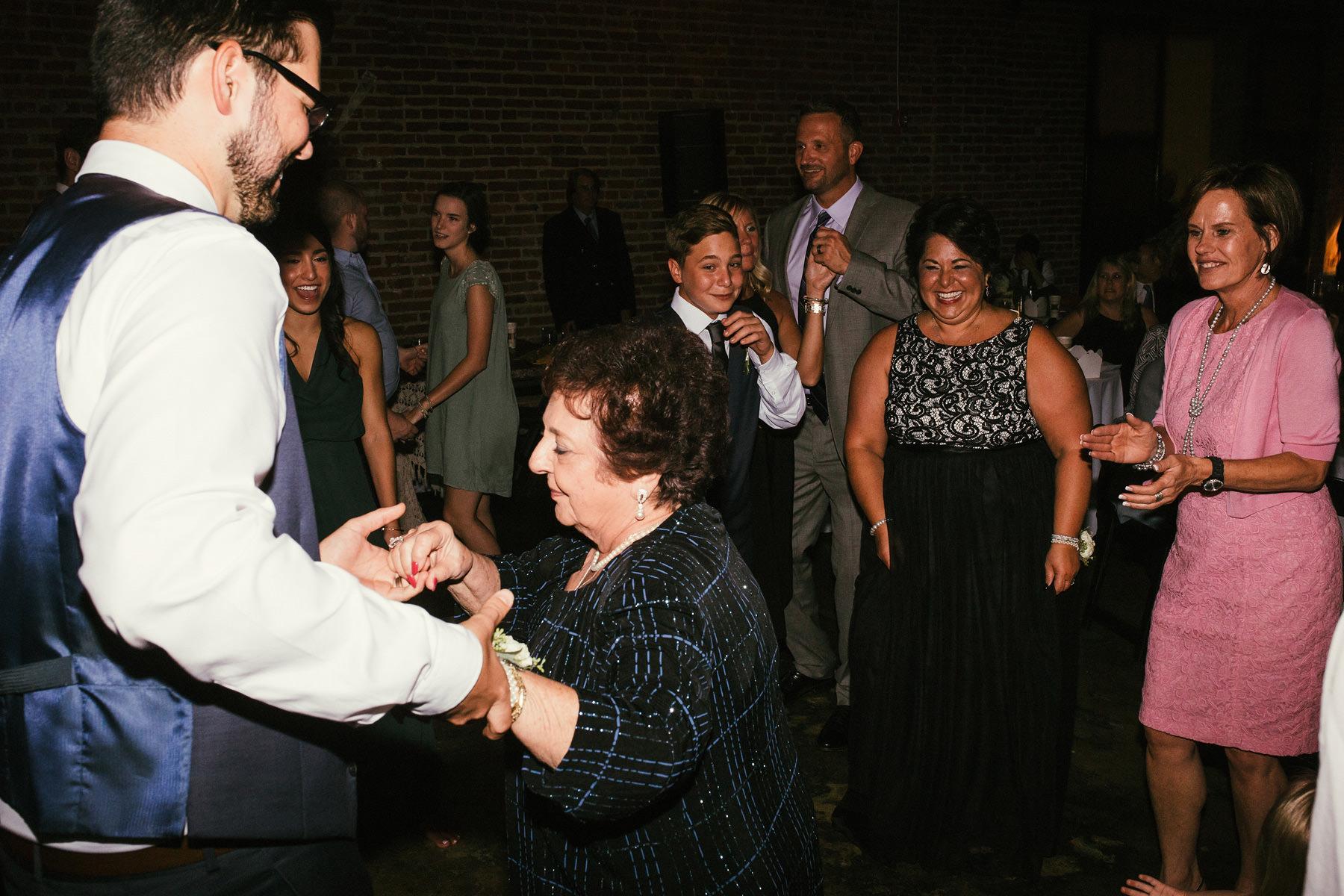 Kansas City Summer Wedding at the Guild_Kindling Wedding Photography Blog86.JPG