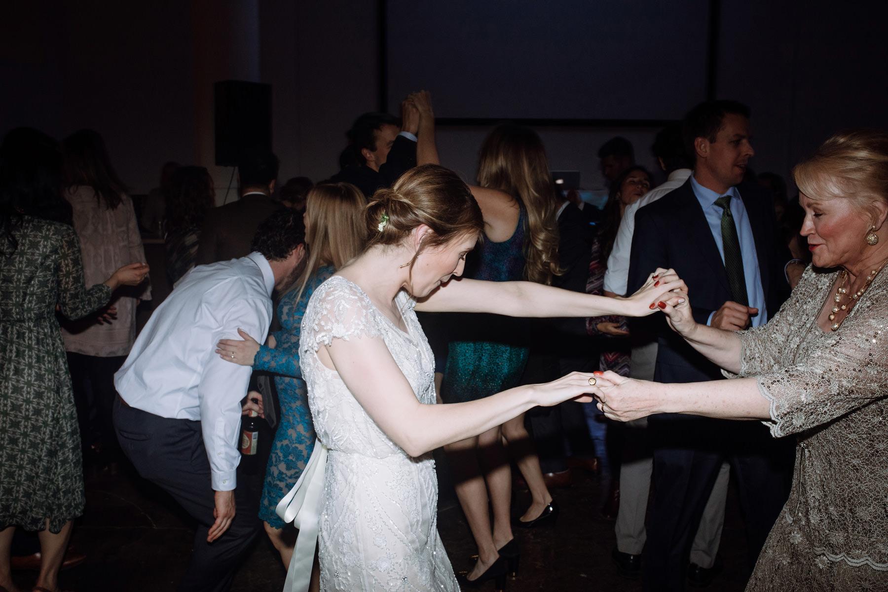 Memorial Presbyterian Wedding in St. Louis Missouri_Kindling Wedding Photography055.JPG
