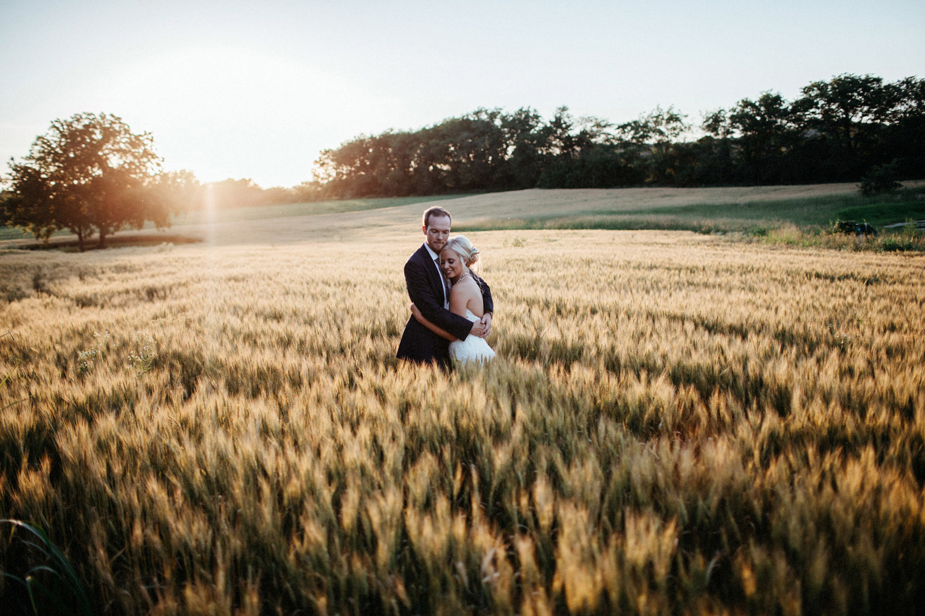 4_Schwinn Produce Farms Summer Wedding Kansas City_Kindling Wedding Photography.JPG
