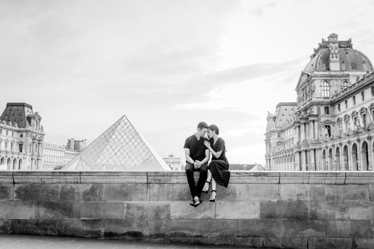 engagement-at-the-louvre.jpg
