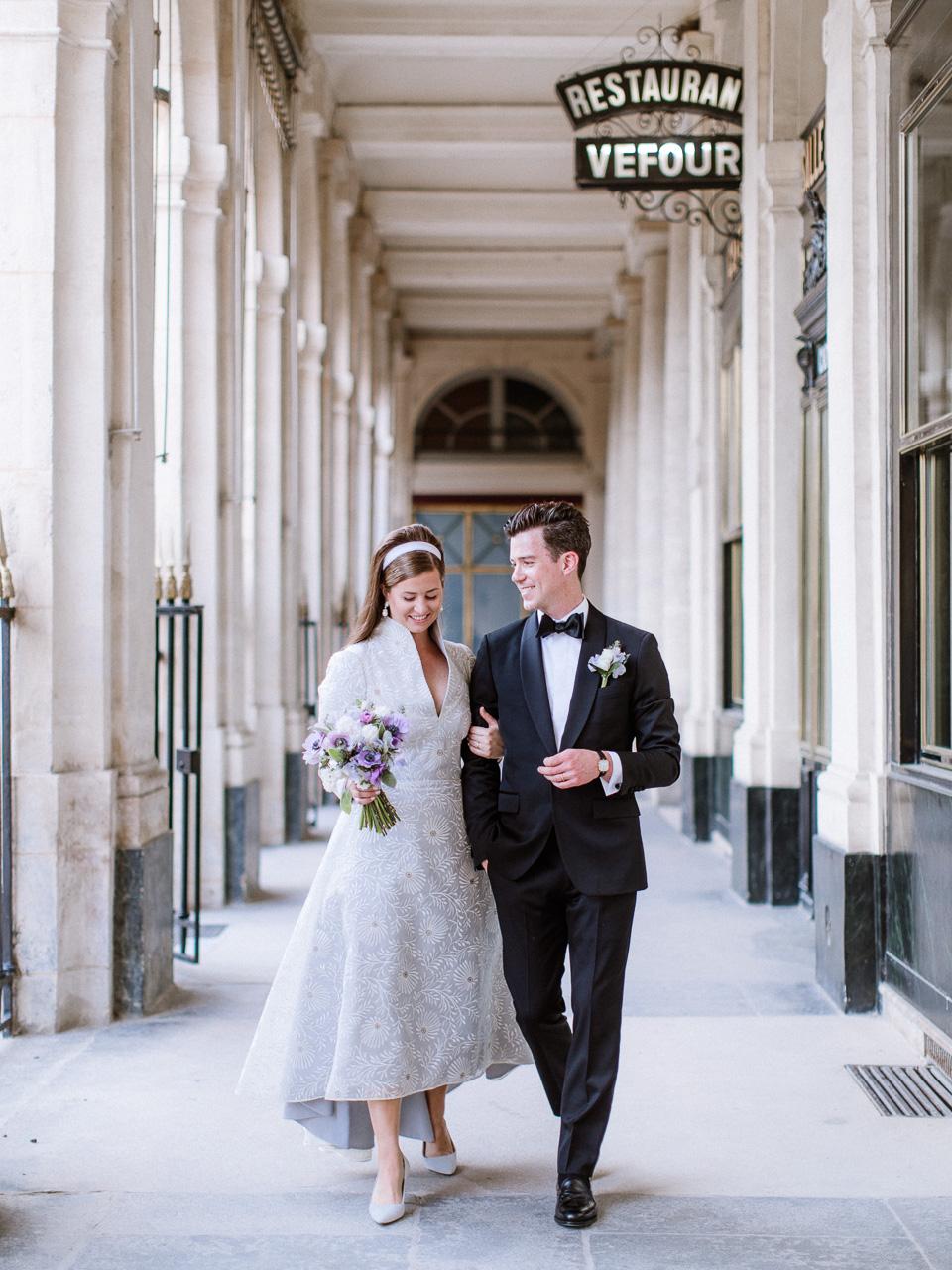 stylish-bride-and-groom-paris.jpg