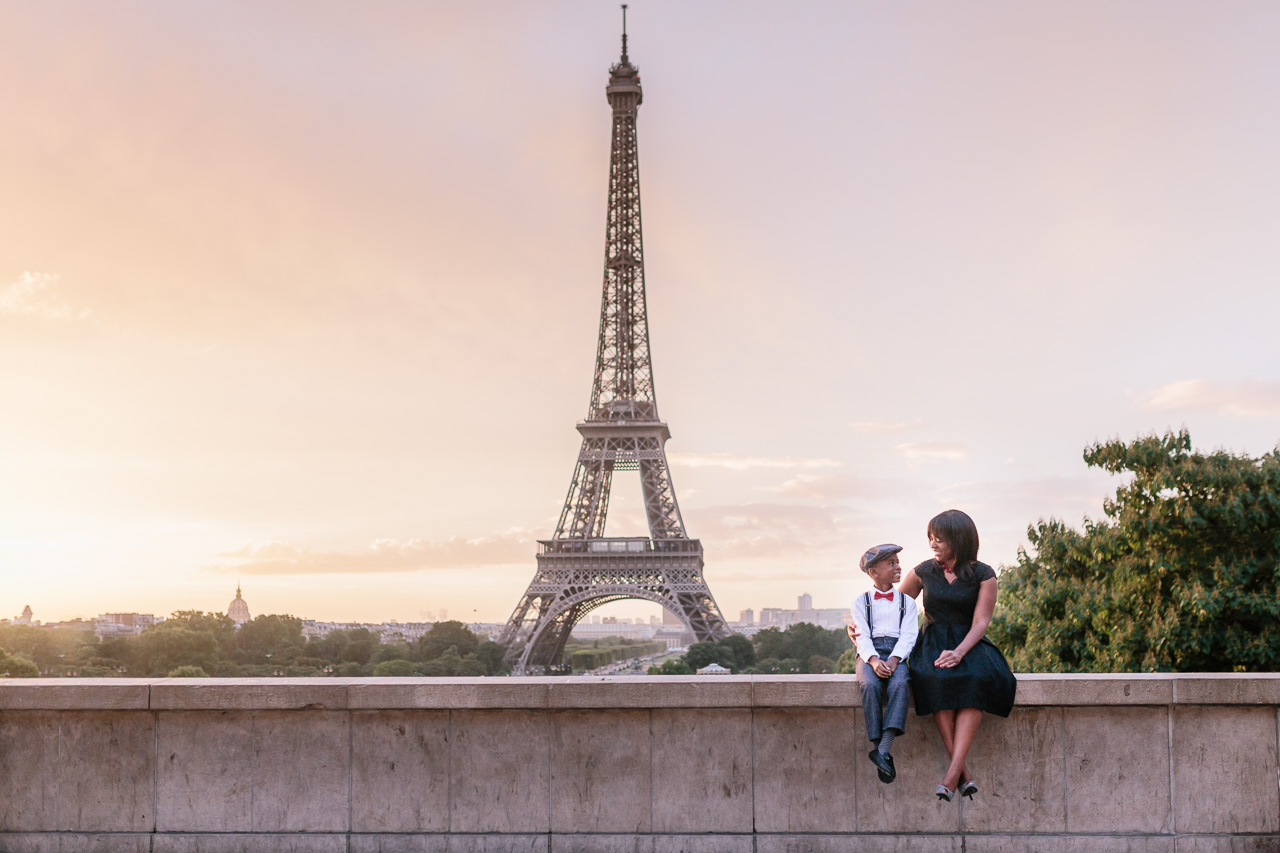 family_photography_eiffel_tower.jpg