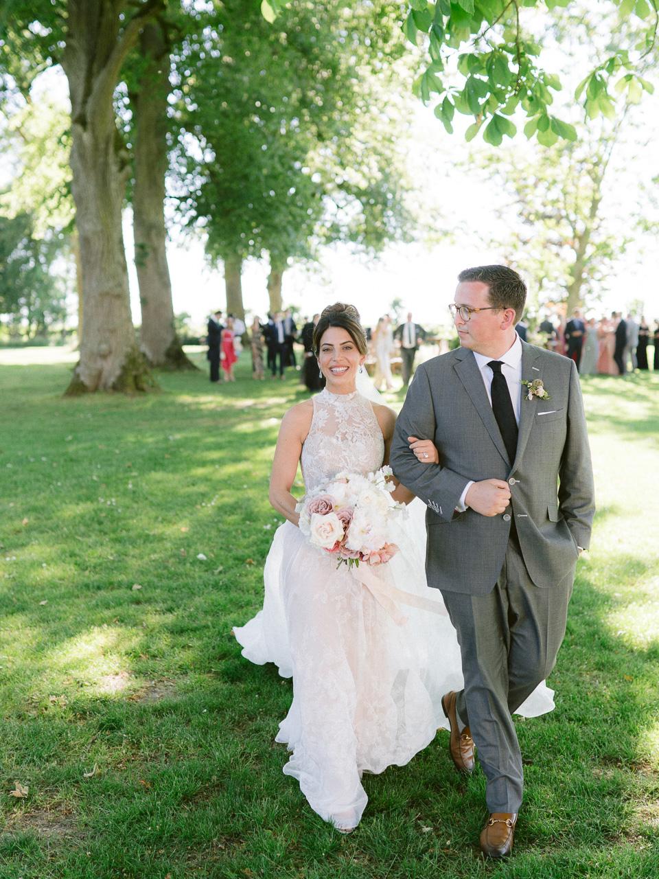 elizabeth-spencer-wedding-varennes0621.jpg
