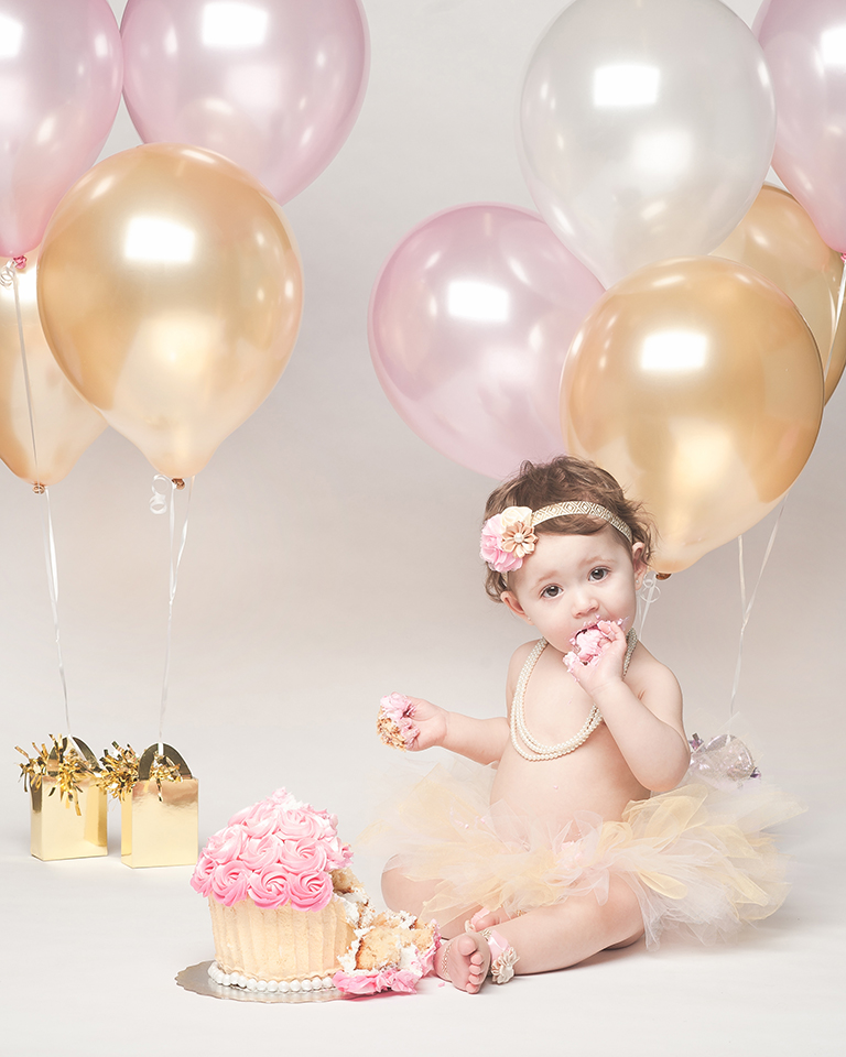 Olivia_CakeSmash-28.jpg