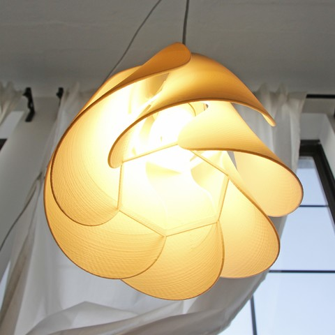 Anna Flower 3D printed lampshade - lit