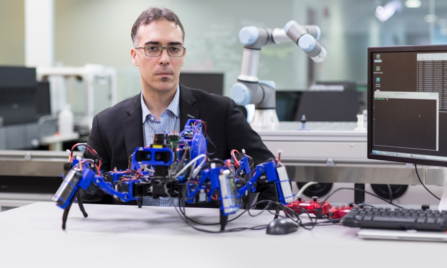 """The """"Siemens Spider"""" 3D printing mobile robot"""