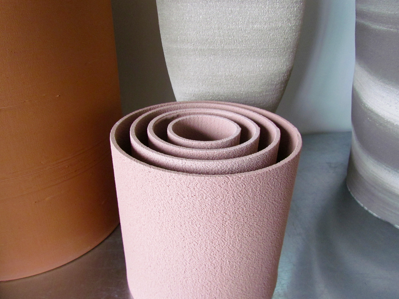 A selection of fine vases 3D printed in ceramics by Olivier van Herpt