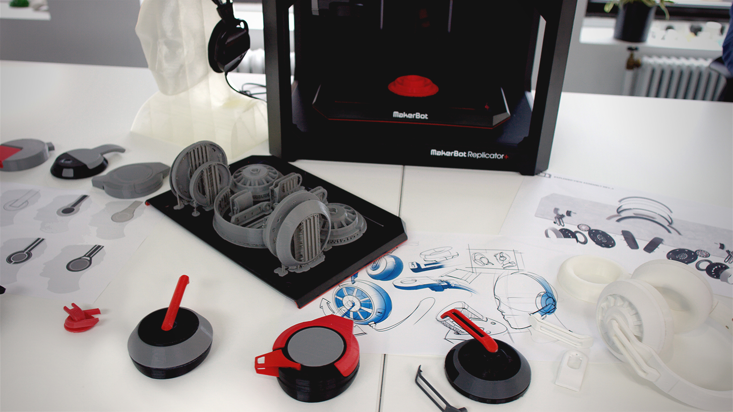 The new MakerBot Replicator+ and its ecosystem