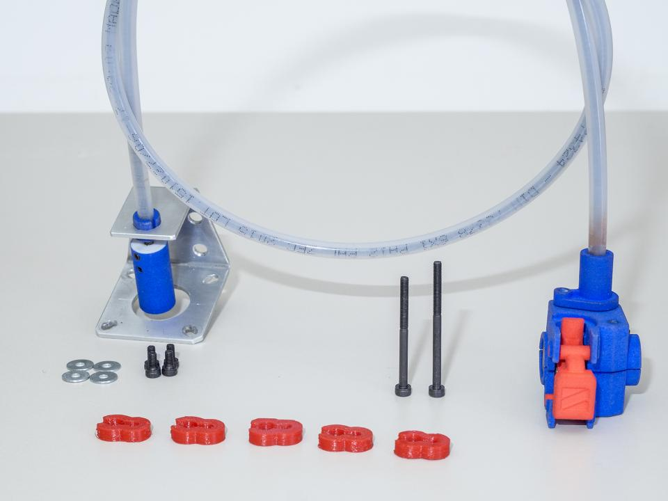 The hardware included with the Zesty Nimble 3D printer extruder