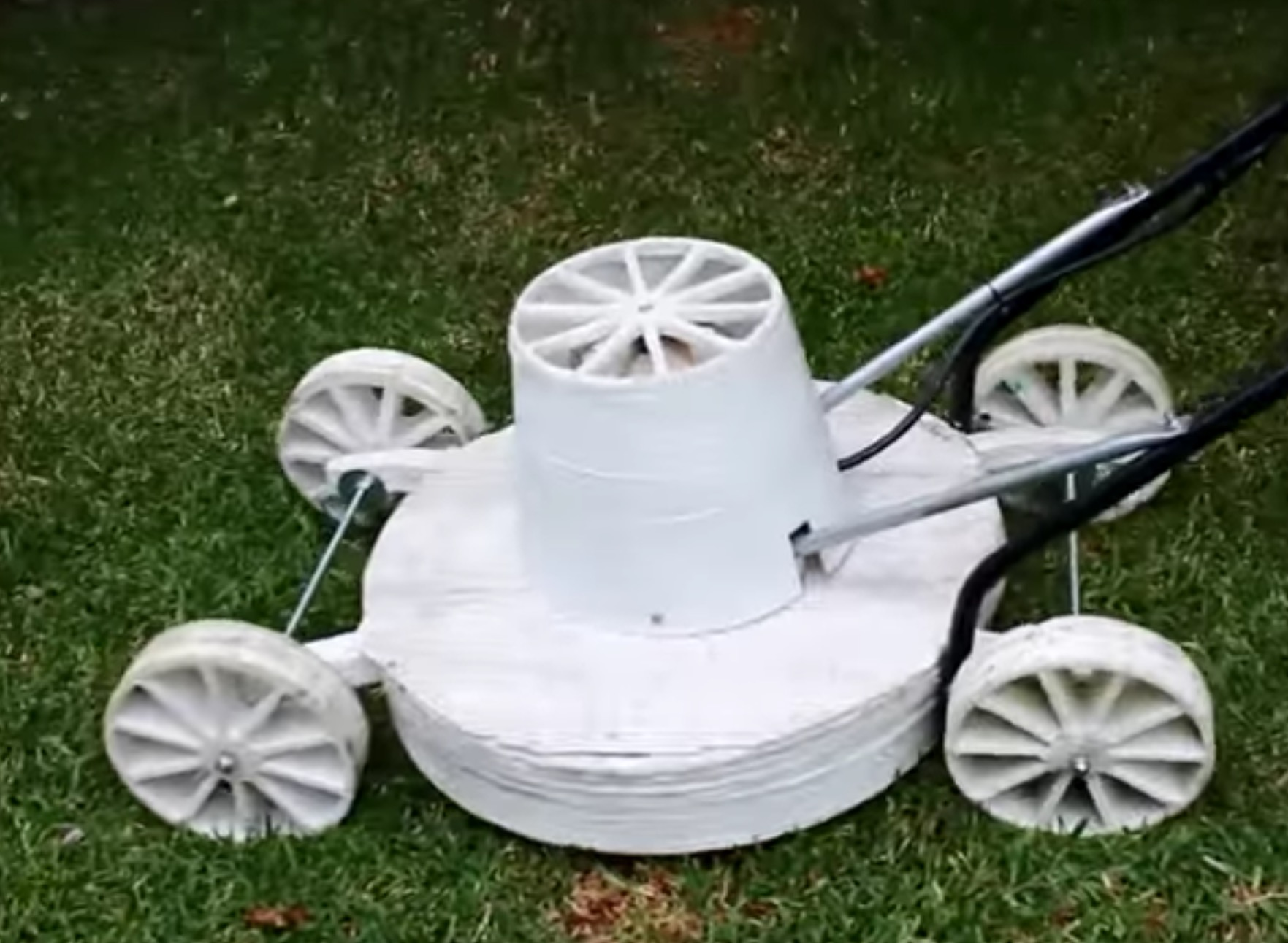 A functioning lawnmower produced on the Cheetah 2 large format 3D printer
