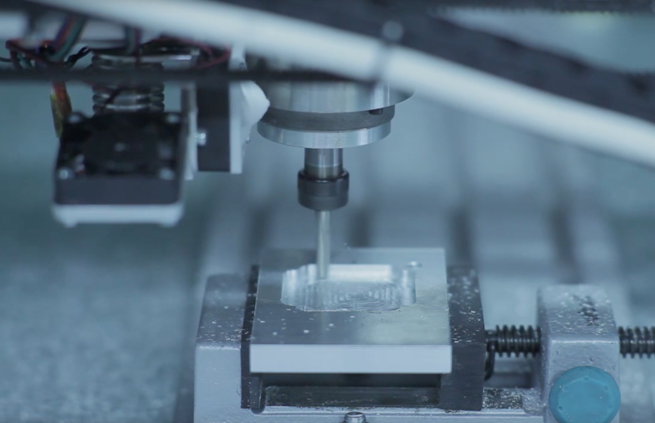 A milling head attached to the Dragon large-format 3D printer