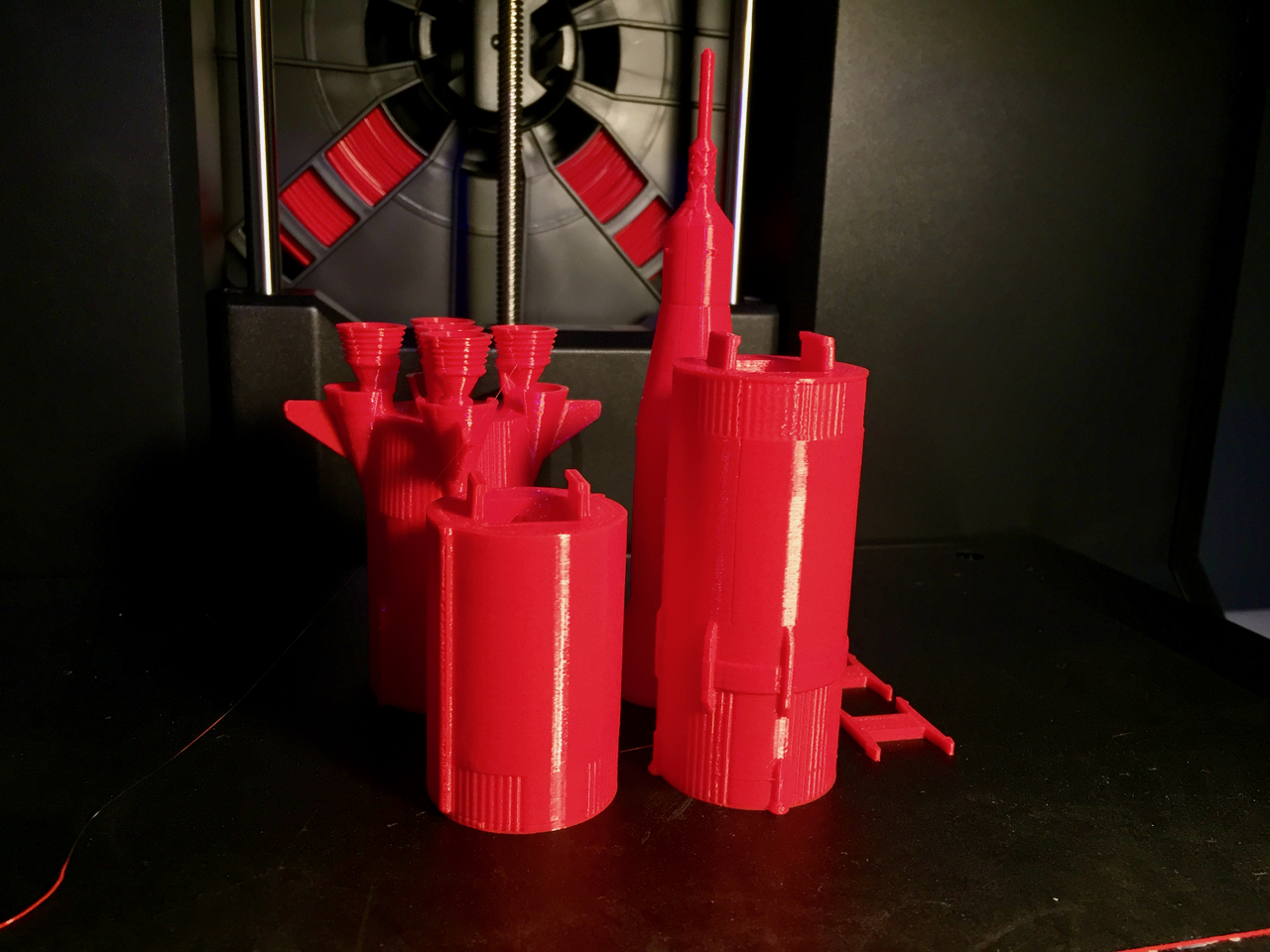 Multiple raftless prints made on the MakerBot Replicator+