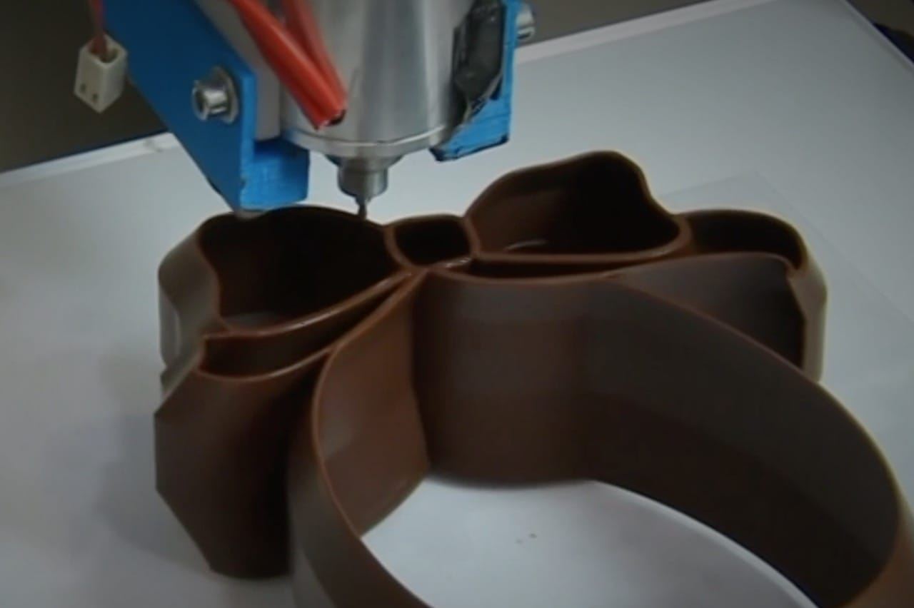 Miam Factory's 3D chocolate printer in action