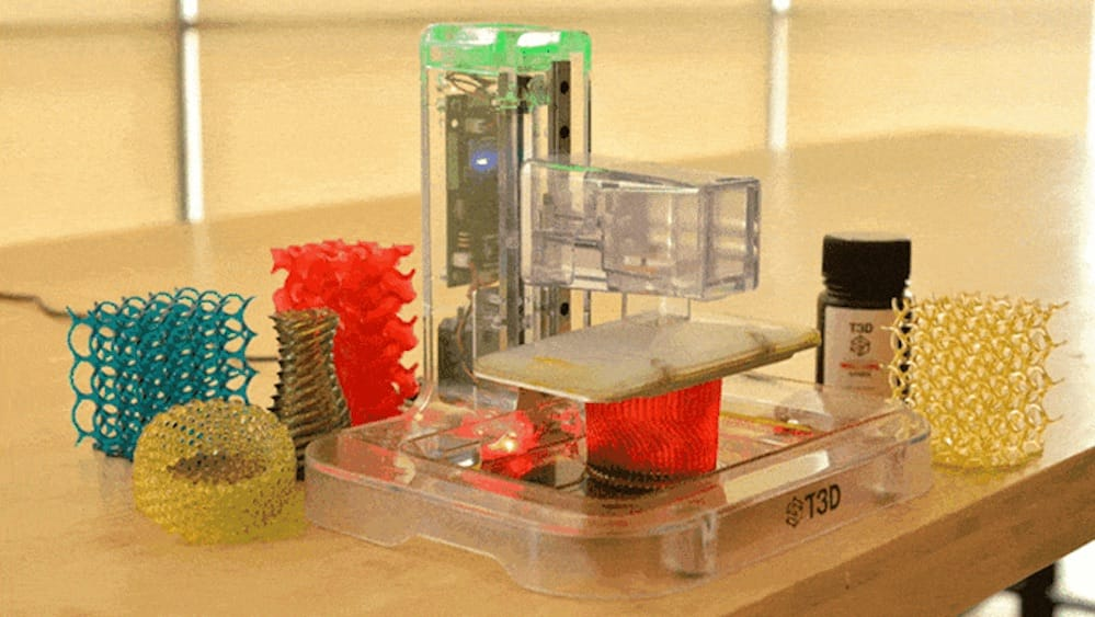 The T3D mobile 3D printer uses a smartphone as its light engine