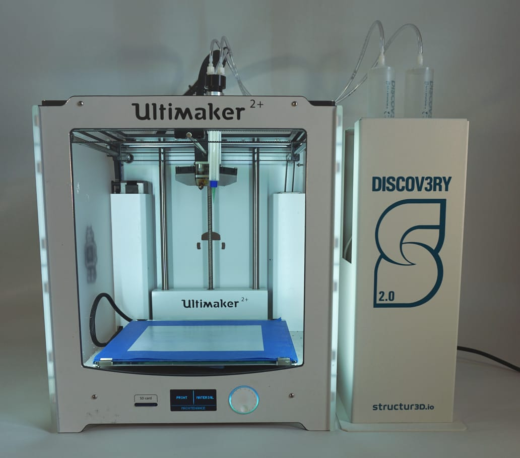 The all-new Structur3d Discov3ry 2.0 paste extruder, hooked up to an Ultimaker 2+