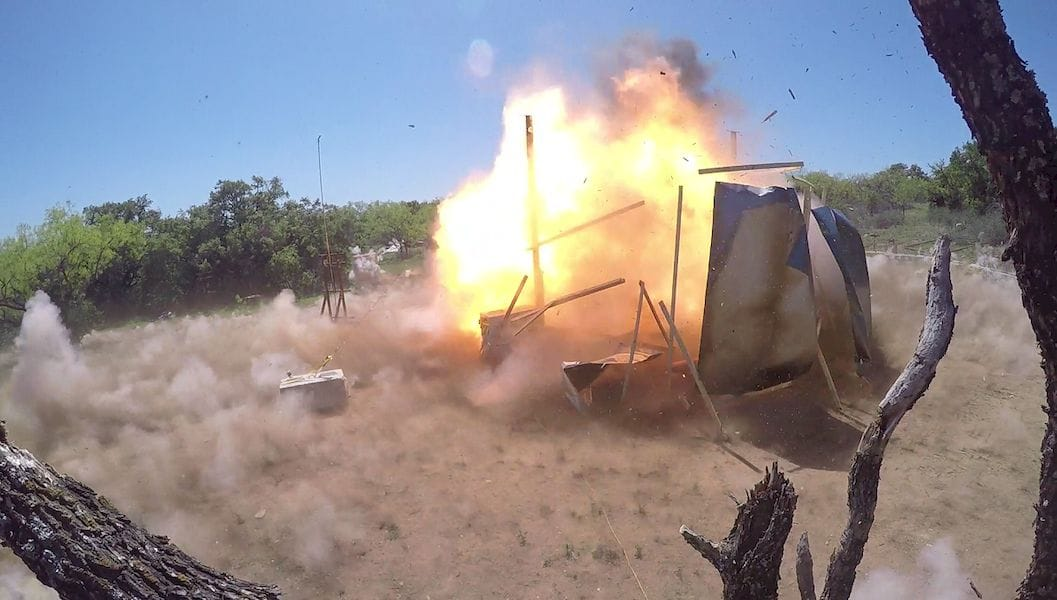 Target destroyed by a hypersonic projectile