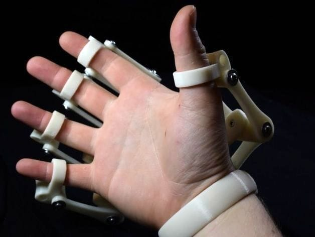Reverse view showing how the exoskeleton hand attaches to your fingers