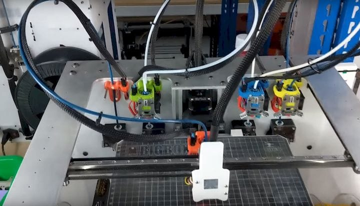 A 3D printer with a tool-changer [Source: E3D-Online]