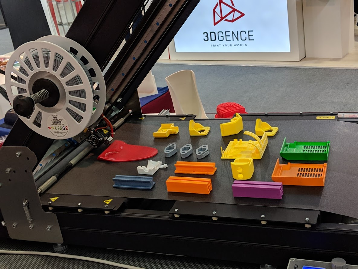The Sliding-3D at work at formnext 2018 [Image: Fabbaloo]