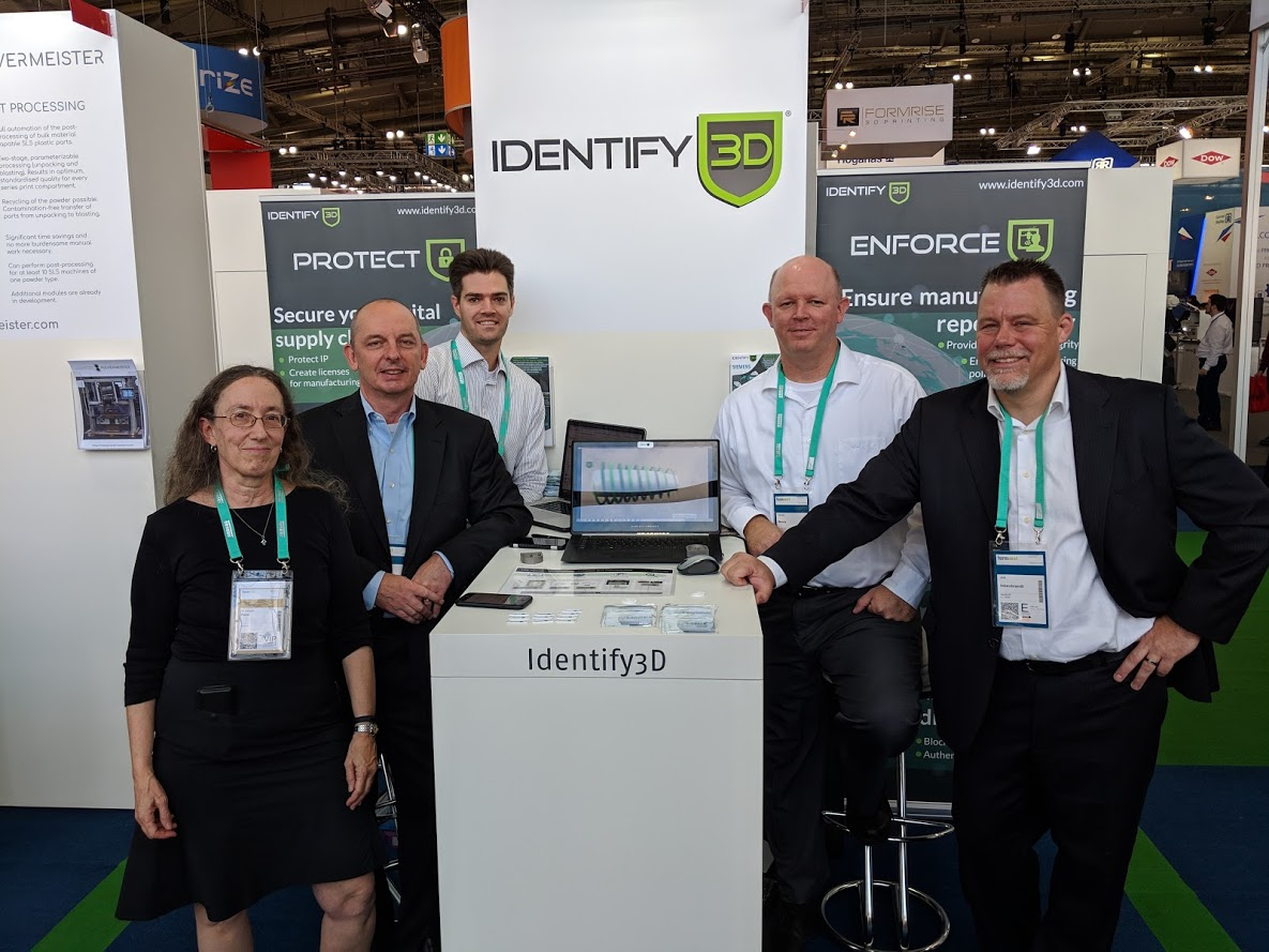 InfraTrac CEO Sharon Flank with team Identify3D [Image: Fabbaloo]