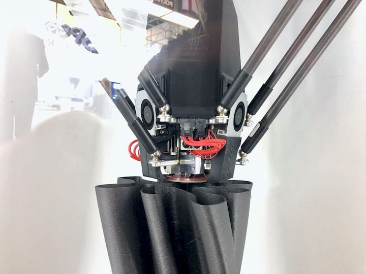 Swappable tools on the 3-tool delta toolhead of the Lynxter S600D 3D printer [Source: Fabbaloo]