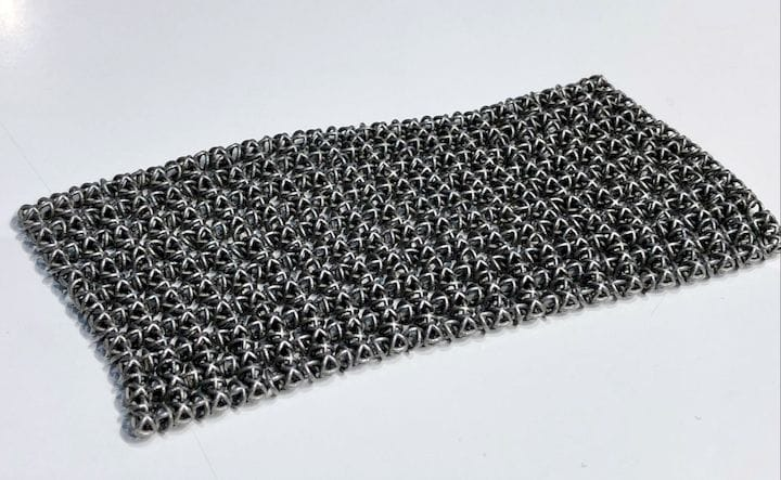 Digital Metal's 3D printing resolution is so high they can actually 3D print a fine metal mesh [Source: Fabbaloo]