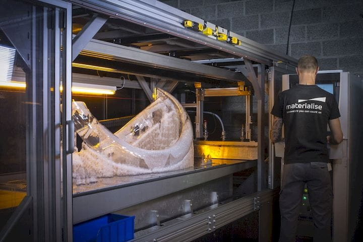 Printing Woolly Mammoth tusks on a Mammoth 3D printer [Source: i.materialise]