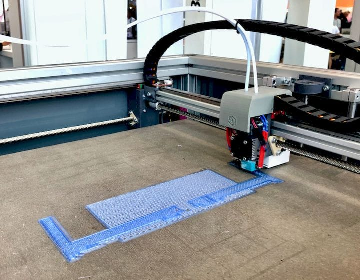 The unnamed professional 3D printer from 3DConstructions during printing [Source: Fabbaloo]
