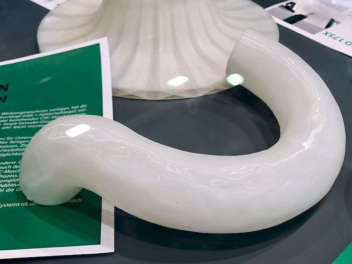 A tube 3D printed with the Hage 5-axis 3D printer [Source: Fabbaloo]
