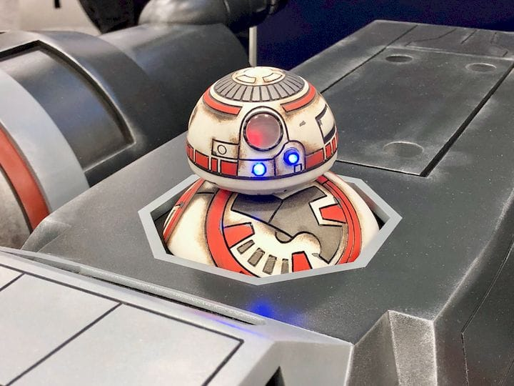 The BB8 riding the huge 3D printed X-Wing Fighter [Source: Fabbaloo]