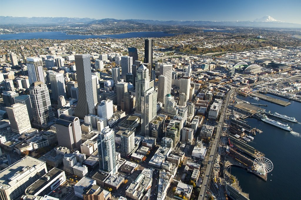 A view of the Seattle skyline as it will look in 2020 with the new tower (toward the left of the image) [Image: Rainier Square Tower project]
