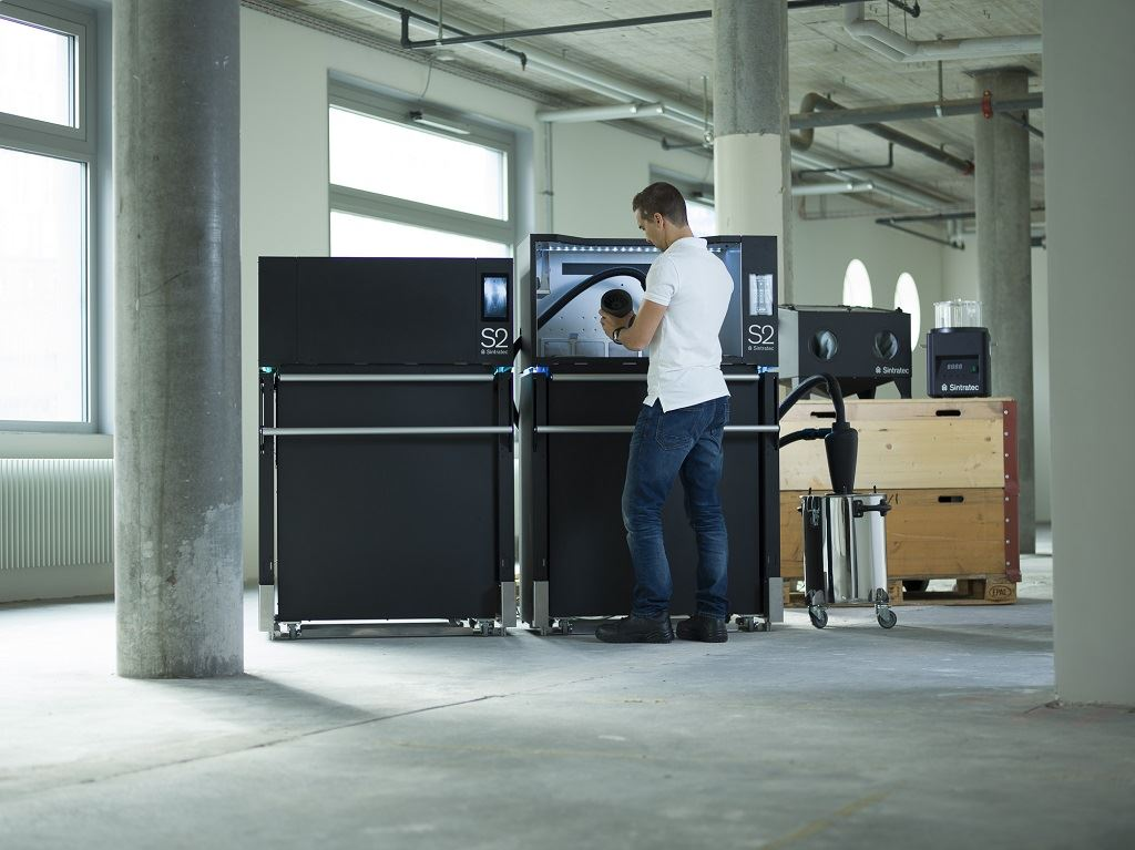 Ergonomic system solution for professional 3D printing: The Sintratec S2 consists of three main modules and is expandable with different additional modules, as required. [Image source: Sintratec Ltd.]
