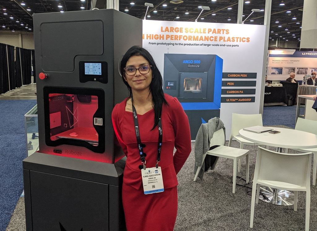 Ilaria with a Roboze Xtreme 3D printer [Image: Fabbaloo]