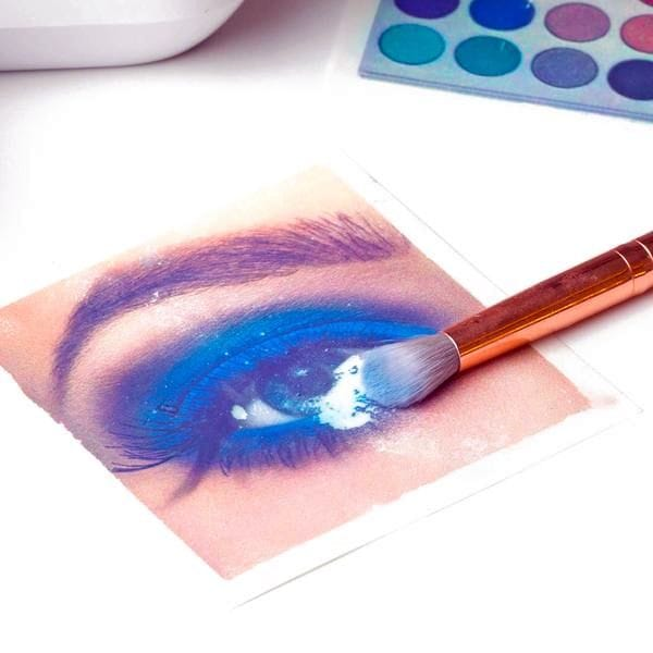 Scooping up 3D printed makeup [Source: Mink Beauty]