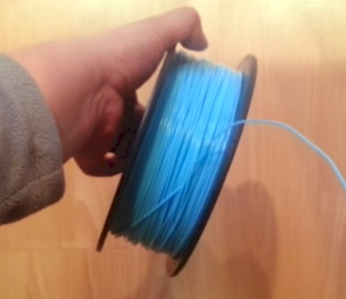 Untangling filament spools [Source: Toybuilder Labs]