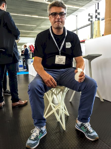 René Gurke demonstrating the strength of BigRep's 3D prints [Source: Fabbaloo]