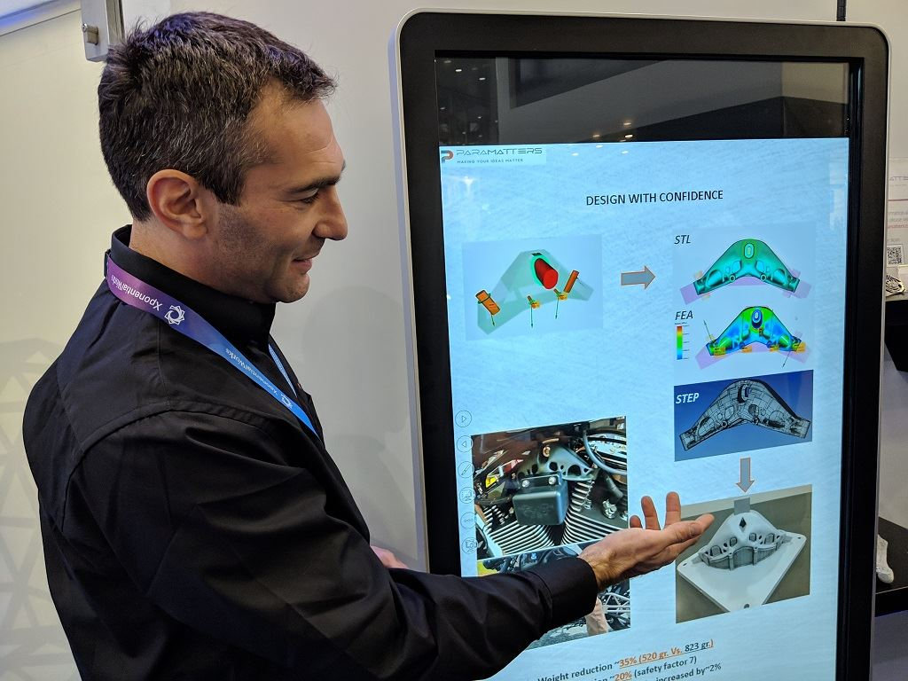 ParaMatters CTO Michael Bogomolny demonstrates CogniCAD software at formnext 2018 [Image: Fabbaloo]
