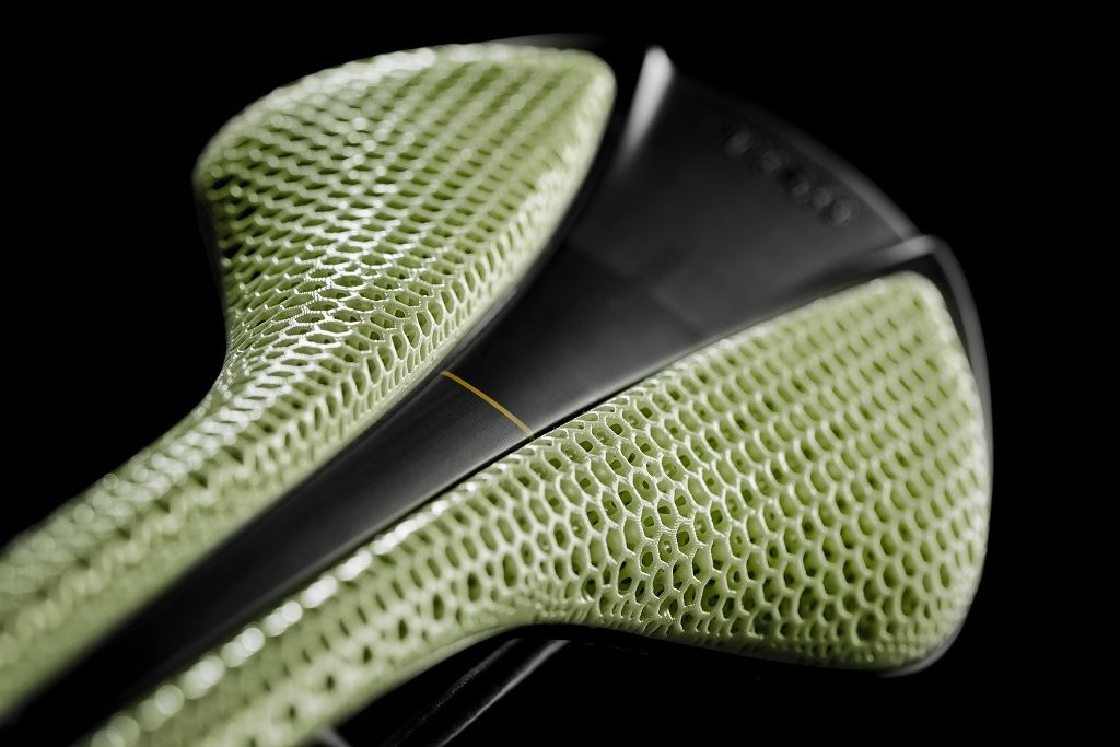 The fizik Adaptive saddle created with DLS [Image: Carbon]