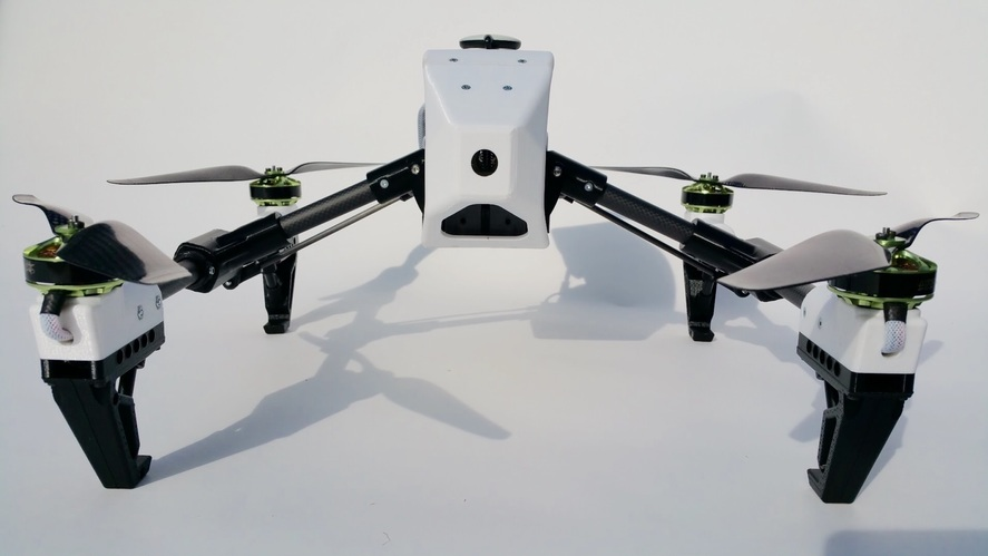 3D printed drone with carbon fiber components [Source: Sitherus - Pinshape ]