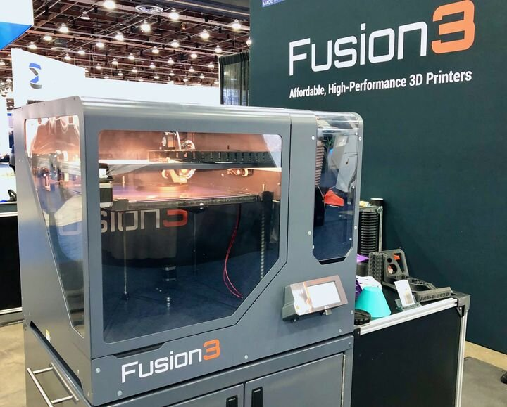 A typical professional 3D printer [Source: Fabbaloo]