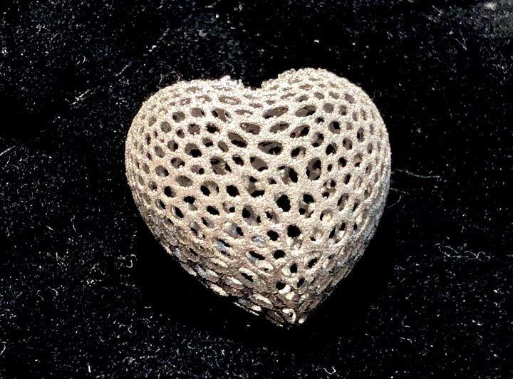 Additive Industries' We Love Our Customers heart [Source: Fabbaloo]