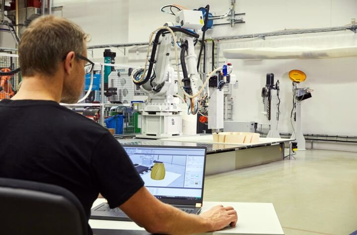 ABB's new RobotStudio software with 3D printing in action. (Image courtesy of ABB.)
