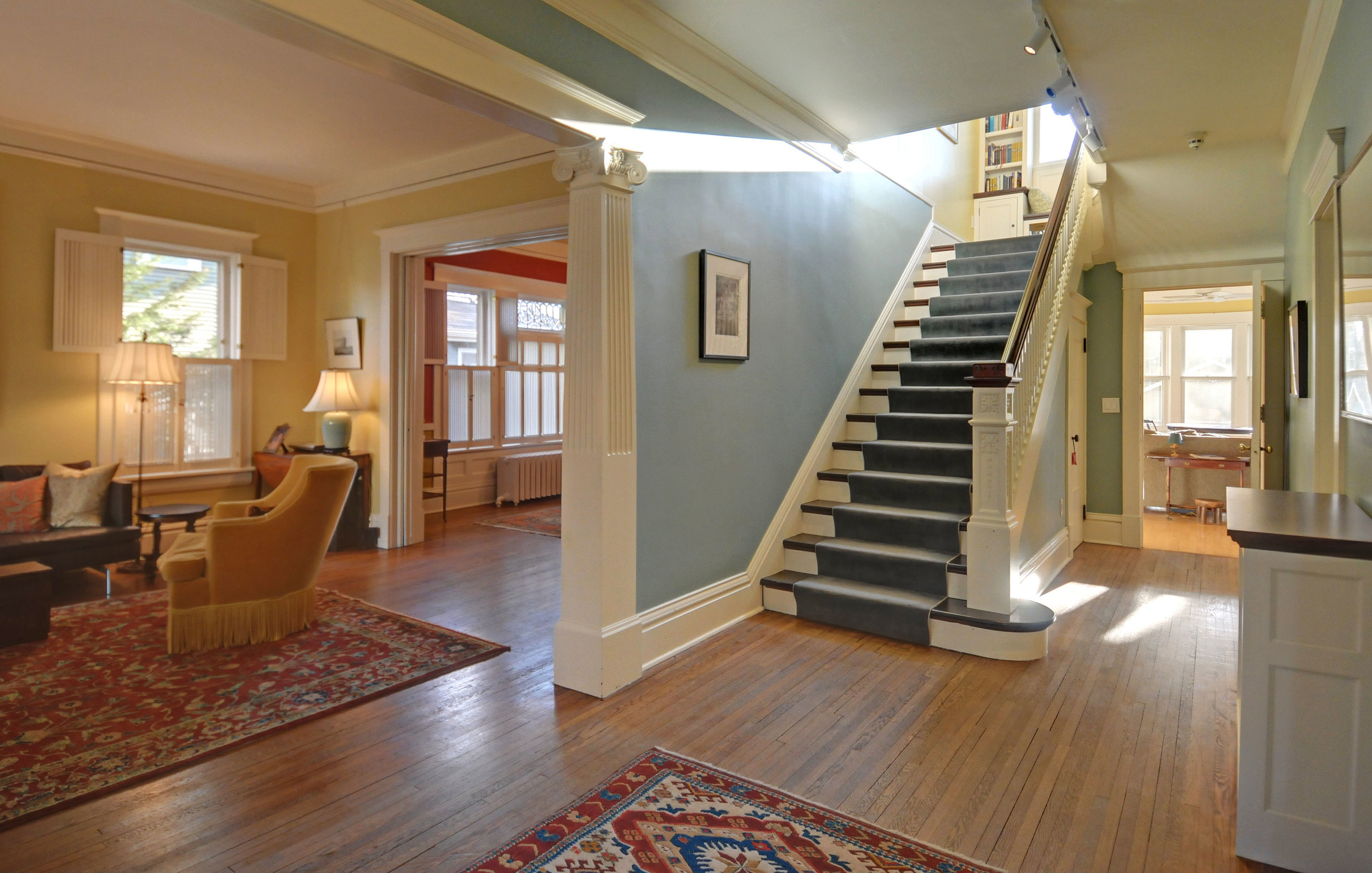2424-foyer-entry-way-and-stairs.jpg