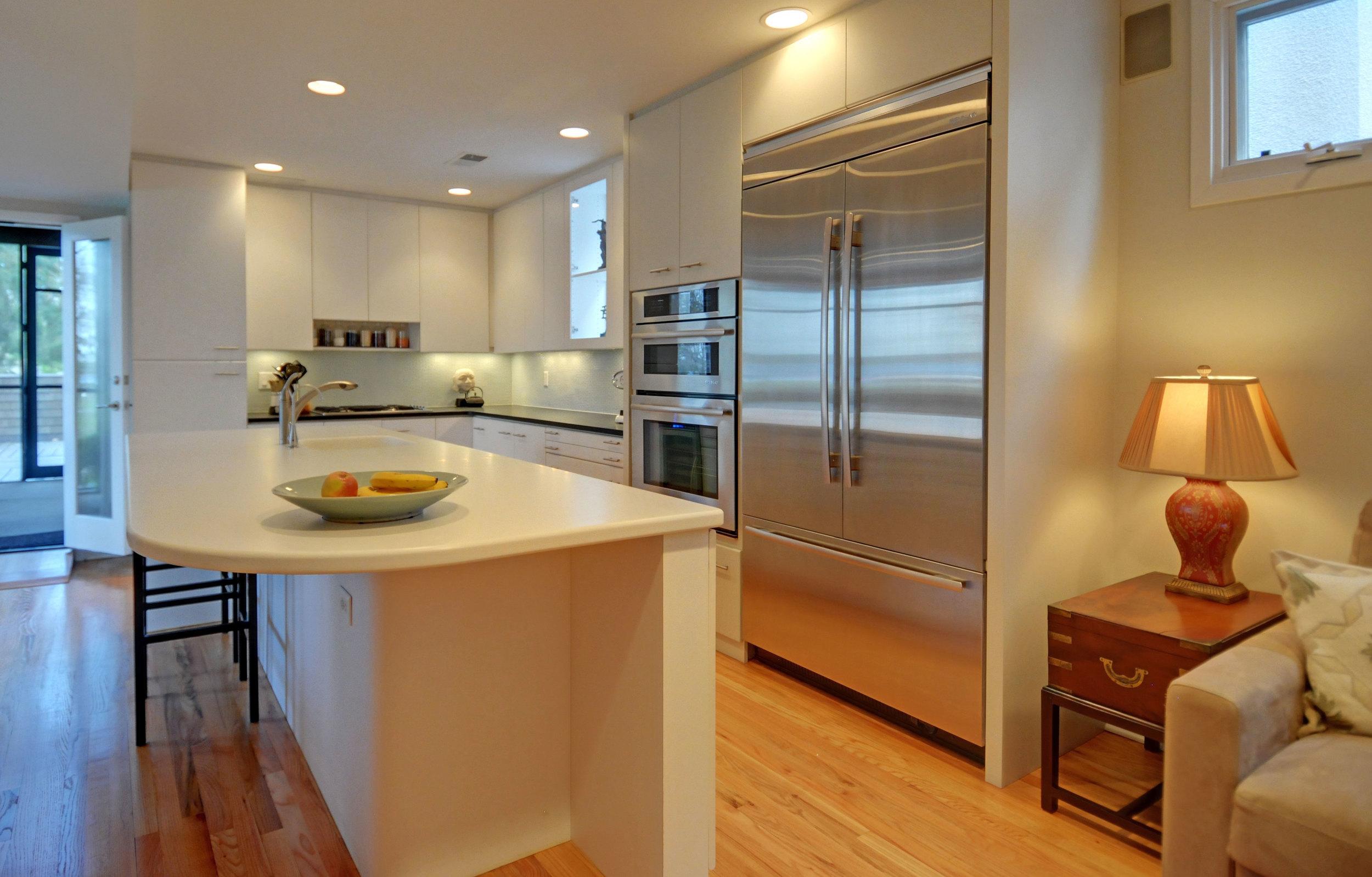 5 3738-kitchen-looking-to-porch.jpg