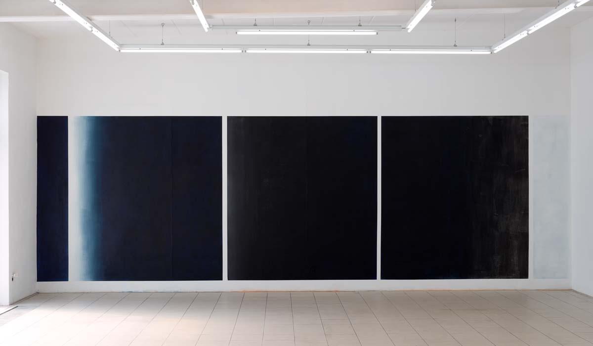 Repeat   · 220 x 710 cm · Acryl, Pigment, Lack auf Wand, 2012, Dresden, galerie baer (temporär)